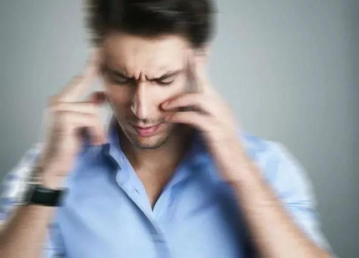 Человек на грани потери сознания